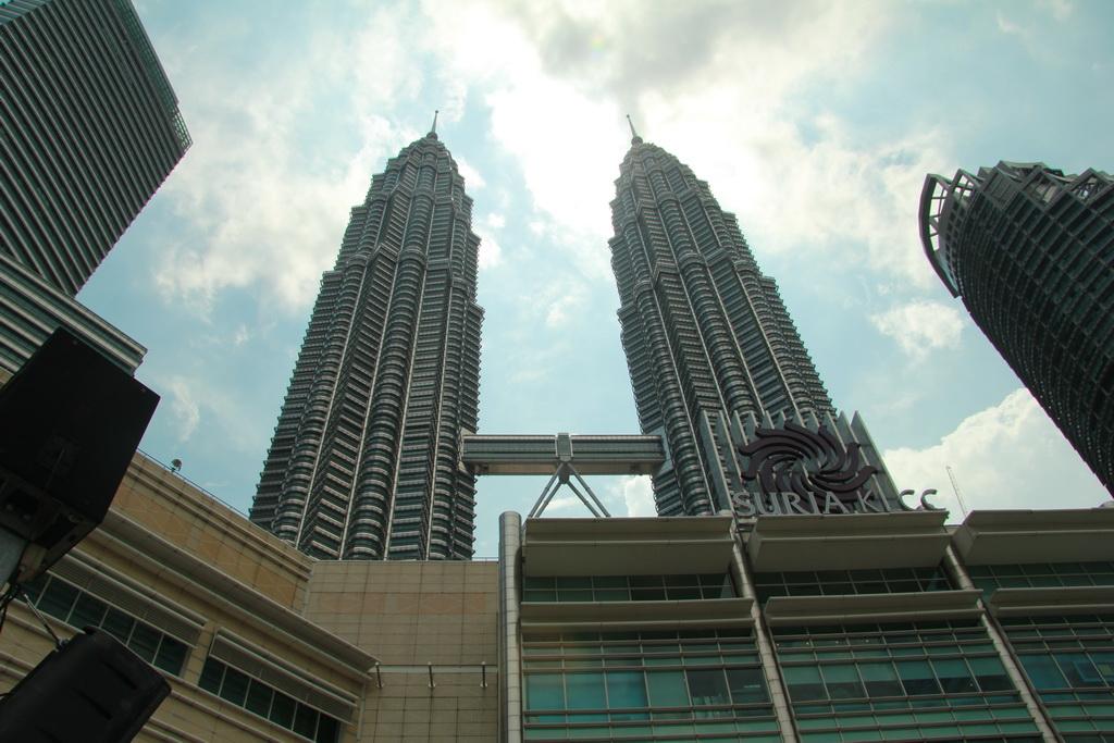 Куала-Лумпур. Башни Petronas.