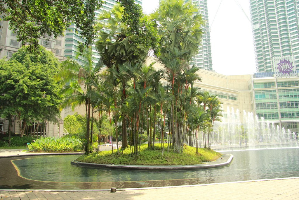 Куала-Лумпур. Парк Taman KLCC.