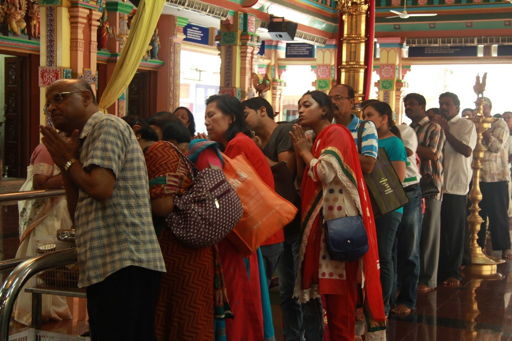 Куала-Лумпур. Шри Махамариамман. Церемония молитвы.