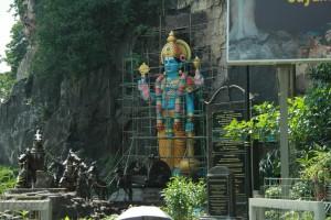 Куала-Лумпур. Пещеры Бату. Бог Рама на колеснице.