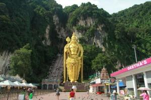 Куала-Лумпур. Пещеры Бату. Бог войны Муруган.