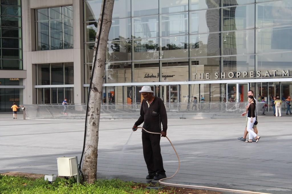 Сингапур. Чистый и ухоженный город.