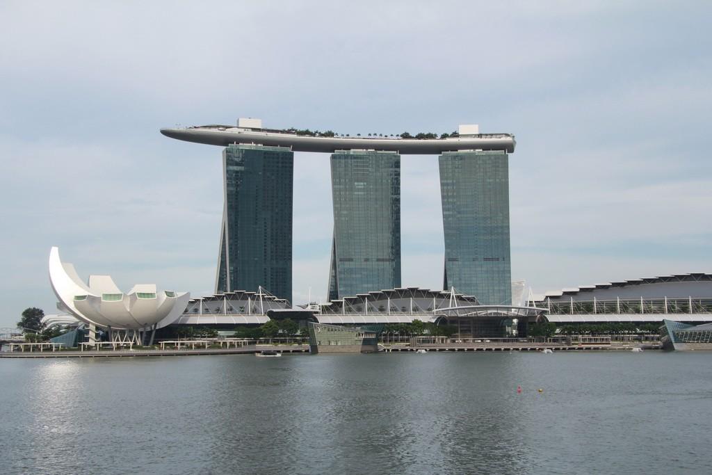 Сингапур. Отель корабль Марина Бэй Сэндс.