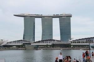 Сингапур. Марина Бэй. Отель-корабль.