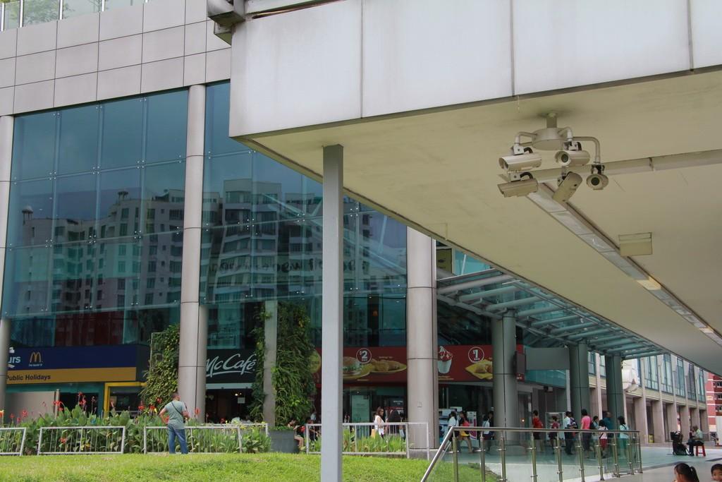 Сингапур. Камеры повсюду.