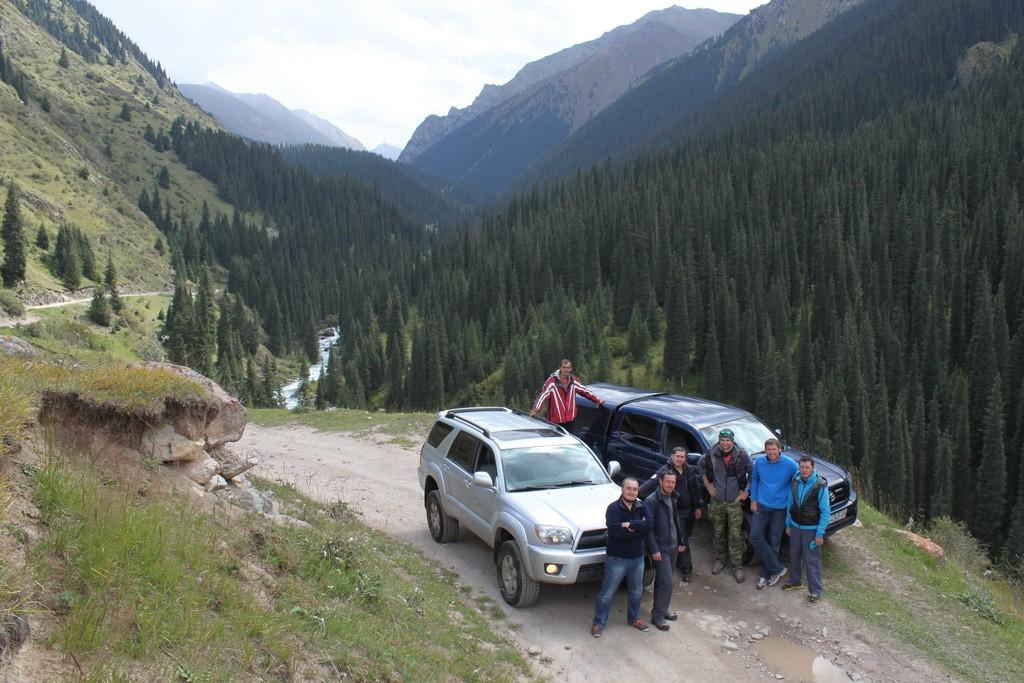 Участники экспедиции в Алтын-Арашан.