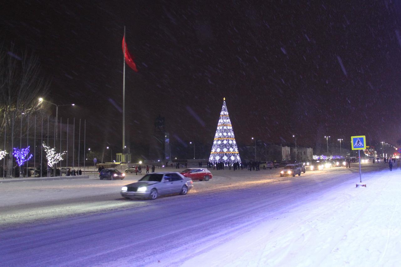 Новогодняя ёлка в Киргизии.