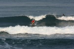 Бали. Занятия серфингом на лайнапе.