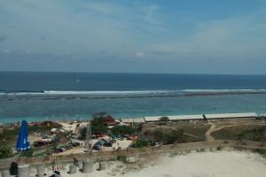 Бали. Пляж Pandawa с вершины скал.