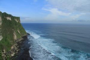 Южная часть Бали. Уступы Улувату.