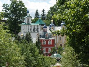 Печоры. Свято-Успенский Псково-Печерский монастырь.