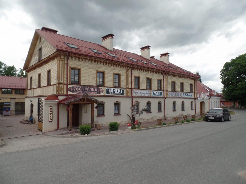 Отель Изборска.