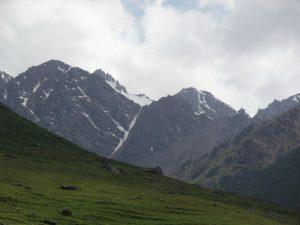 Ледник питающий озеро Коль-Тор.