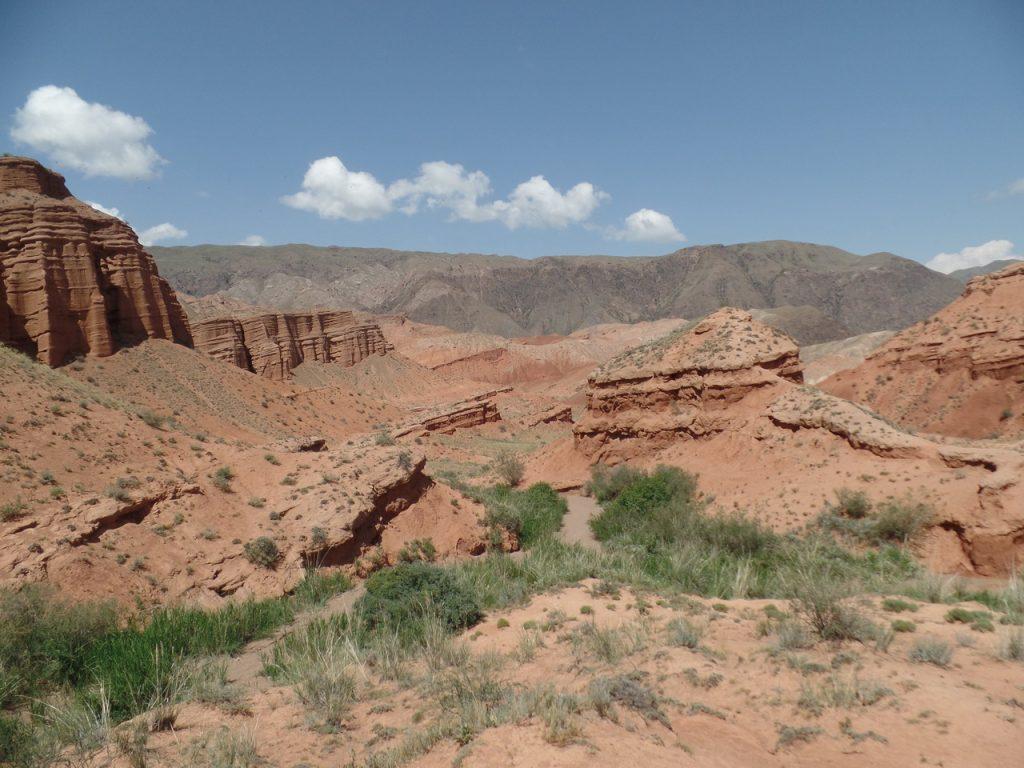 Виды на долину Конорчек.