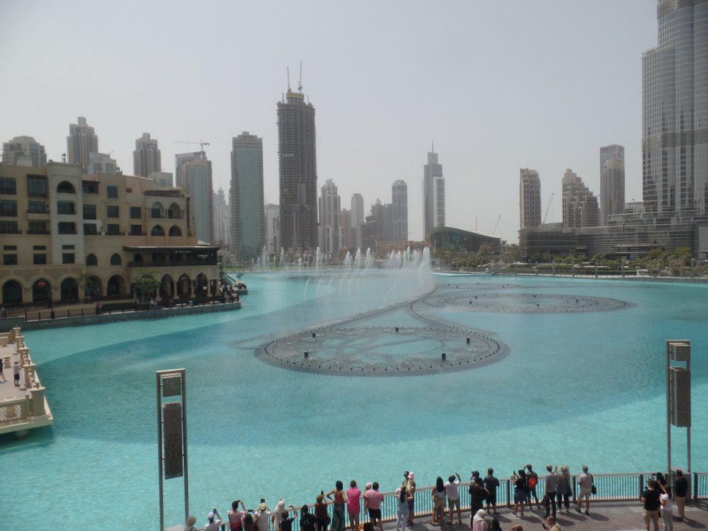 Поющие фонтаны у подножья Бурж Халифы