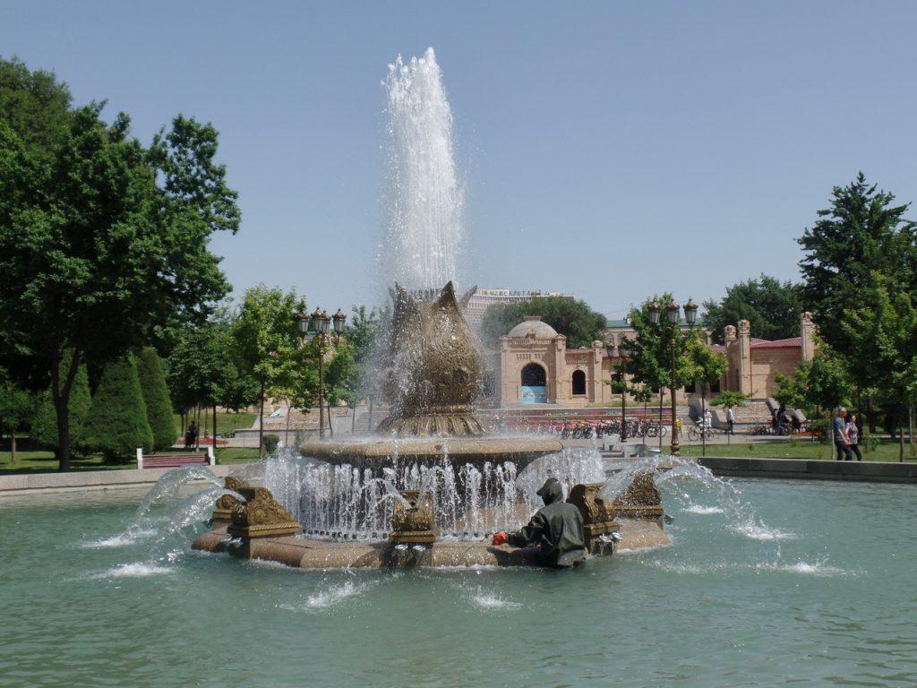 Фонтан в Ташкенте.