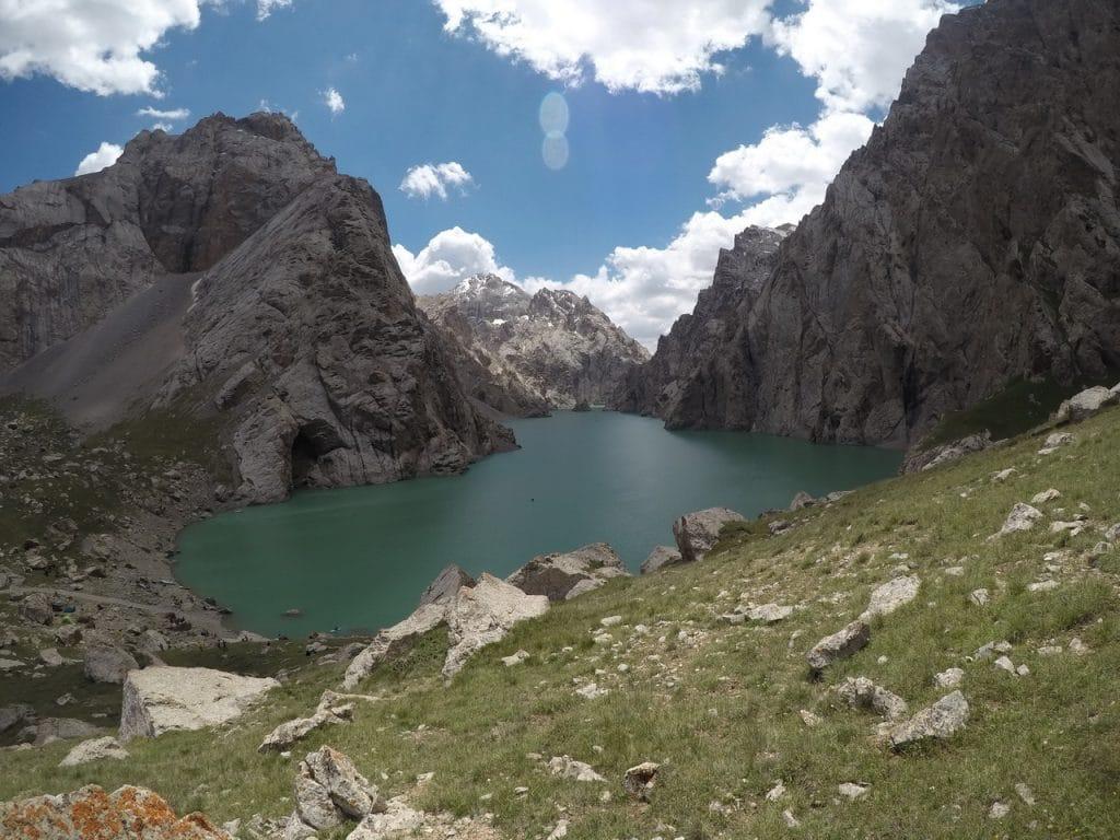 Озеро Кель Суу в Нарыне.