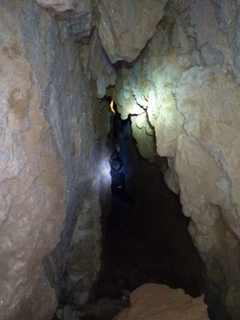Пещеры КельСуу и иней.