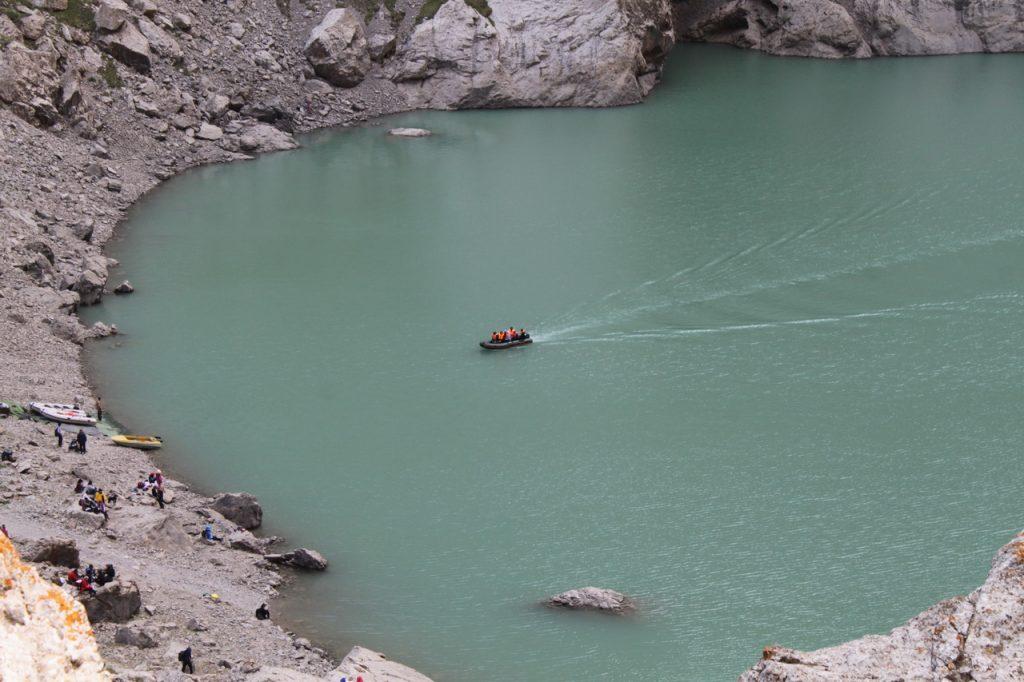 Мотоные лодки на озере КельСуу