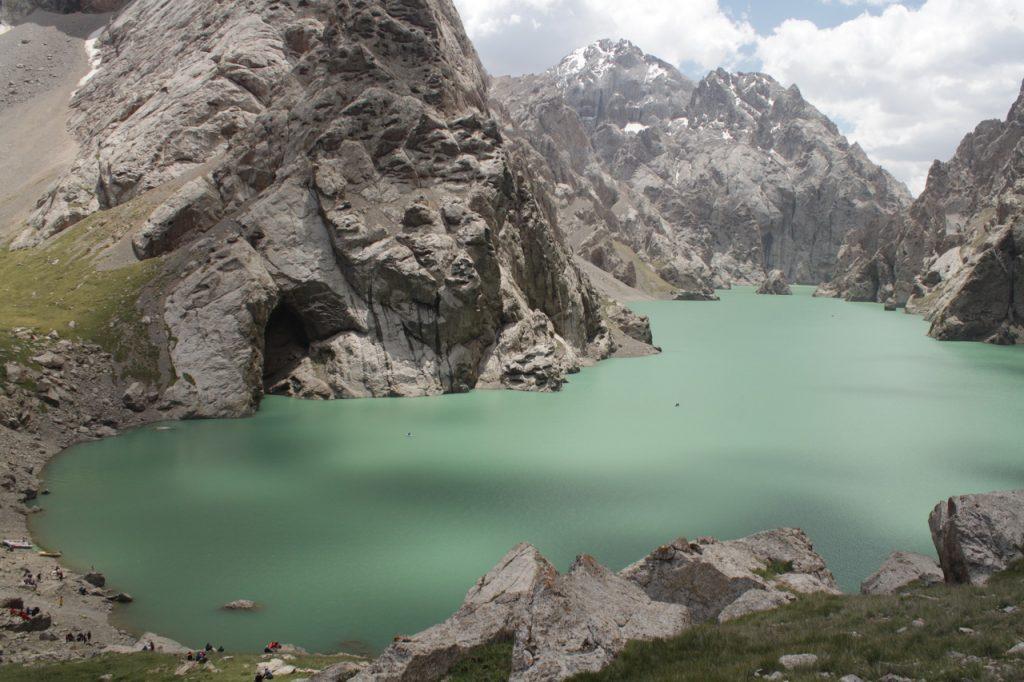 Озеро Кель Суу. Киргизия.