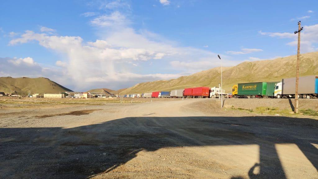 Торугарт. Погран зона между Киргизие и Китаем.