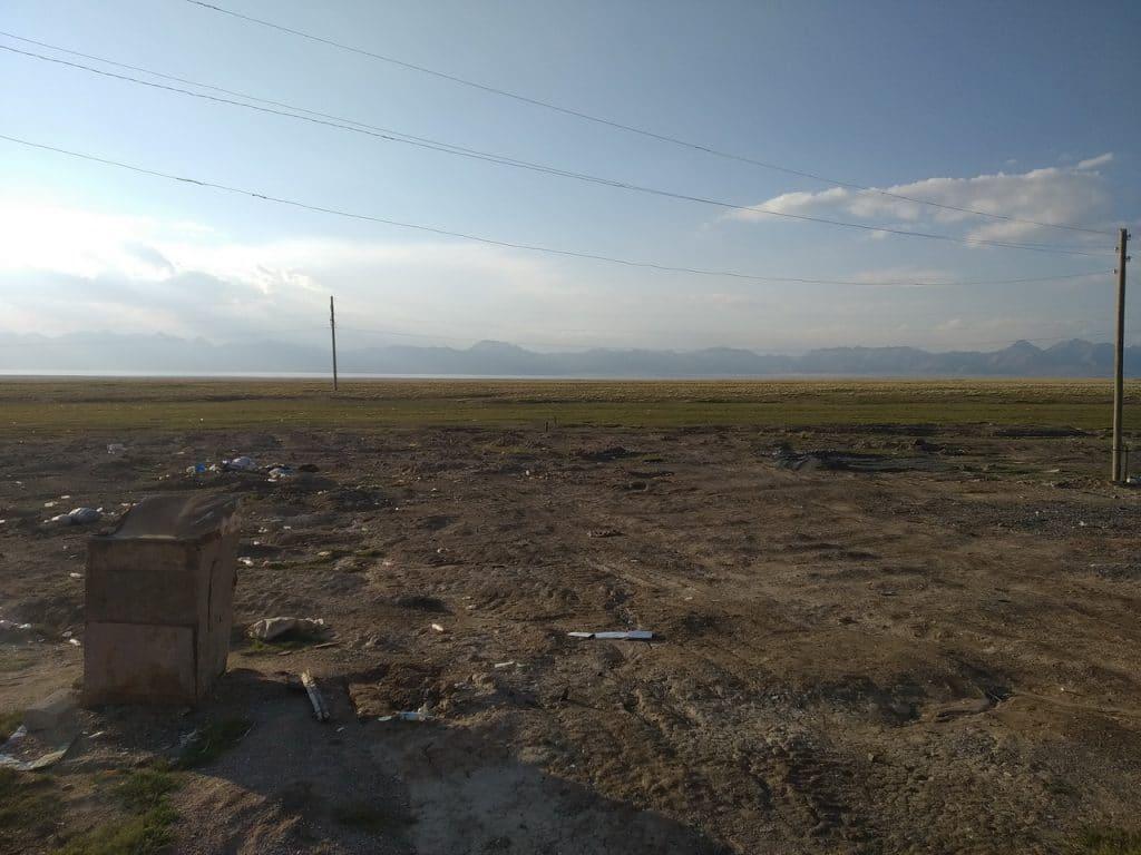 Южное побережье озера Чатыр-Куль