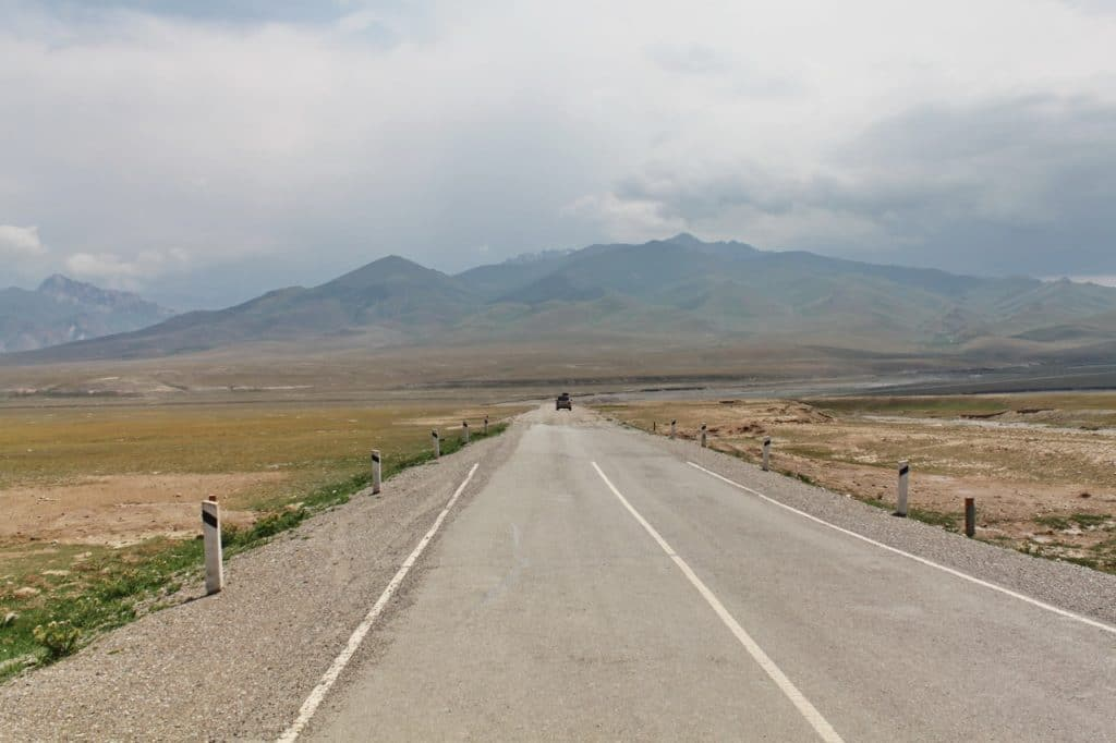 Дорога на Таш-Рабат. Киргизия.